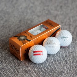 A set of 3 golf balls